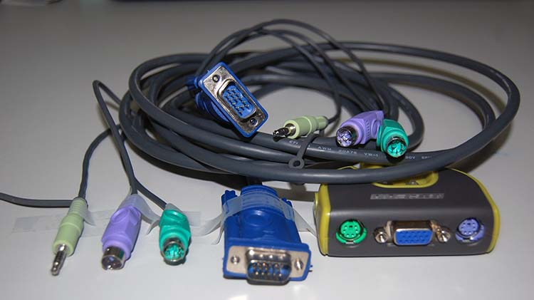 Picture of IOGEAR 2 port KVM switcher